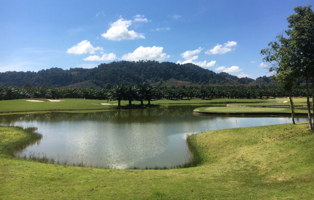 Kirinara Golf Course Water Hazard