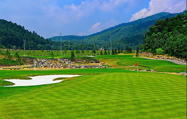 green, legend hill golf resort, hanoi, vietnam