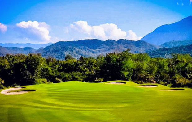 Luang Prabang Golf Club - Green with Mountains in Background