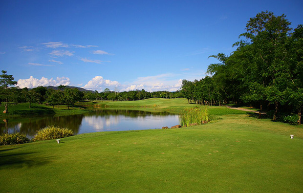 lake, mae jo golf club, chiang mai, thailand