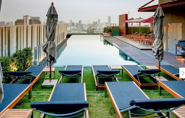 Mercure Bangkok Siam rooftop pool