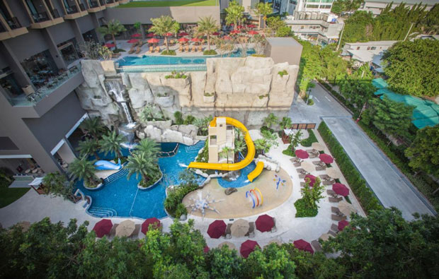Mercure Pattaya Ocean Resort pool