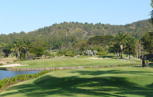 par 3 over water, palm hills golf club, hua hin, thailand