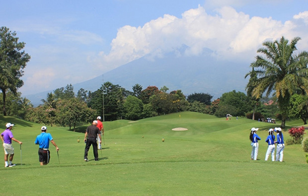 golfers, rancamaya  golf country club, jakarta, indonesia