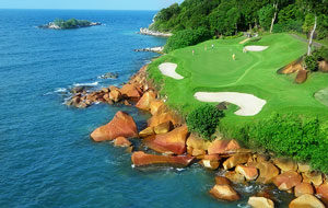 cliff-top green, ria bintan golf club, bintan, indonesia