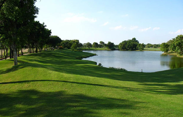 lake, royal gems golf club, bangkok, thailand