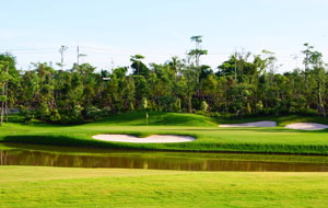 green by water, royal gems golf city, bangkok, thailand