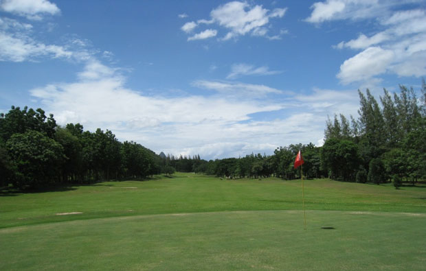 Sawang Resort and Golf Course green