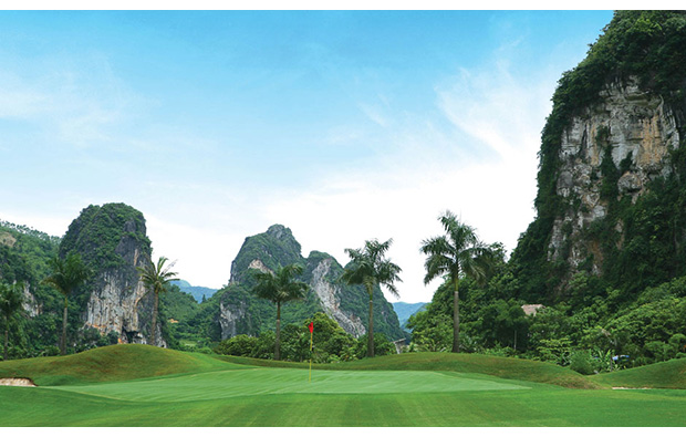 green, phoenix golf resort, hanoi, vietnam