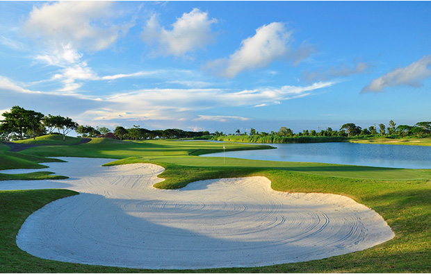 10th hole at Sherwood Hills Golf Country Club, Manila, Philippines